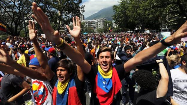Un vent de manifestations violentes souffle sur le Venezuela